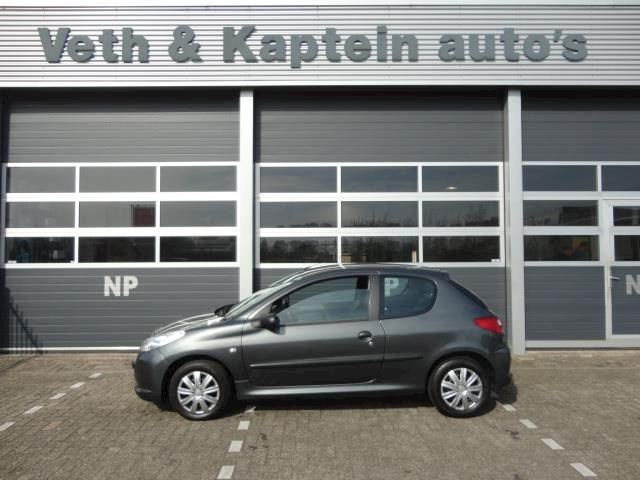 Peugeot 206 + 1.4 HDiF XS