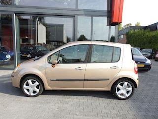 Renault Modus 1.2-16V Authentique Luxe