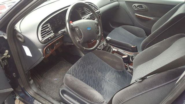 Ford Mondeo occasion - HACRO