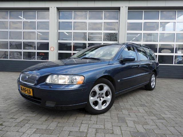 Volvo V70 2.4d momentum 120kW geartronic aut