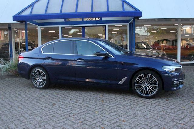 BMW 5-serie 520d High Executive, zeer nette complete auto