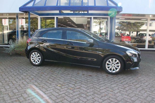 Mercedes-Benz A-klasse 180 d Lease Edition, NAVIGATIE, LED Koplampen