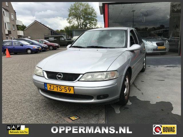 Opel Vectra 1.8-16V Pearl
