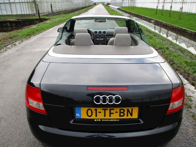 Audi A4 Cabriolet 2.4 V6 Exclusive Automaat