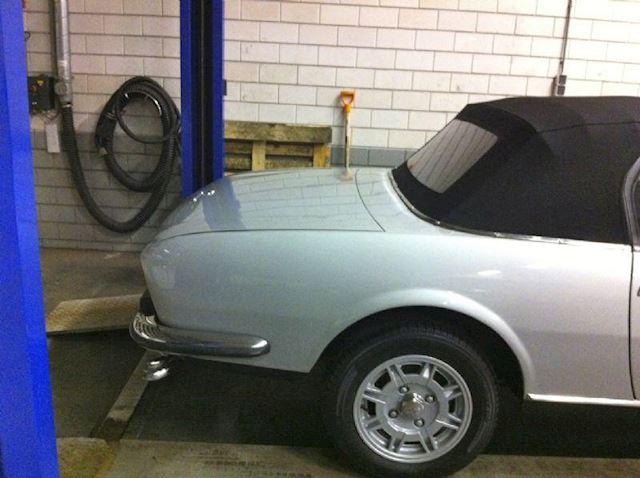 Peugeot 504 Cabriolet V6 2.7 TI
