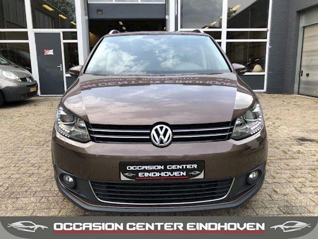 Volkswagen Touran 1.4 TSI 175 PK DSG CROSS/LEDER/XENON/LED/VOL OPTIES/6MND GARANTIE
