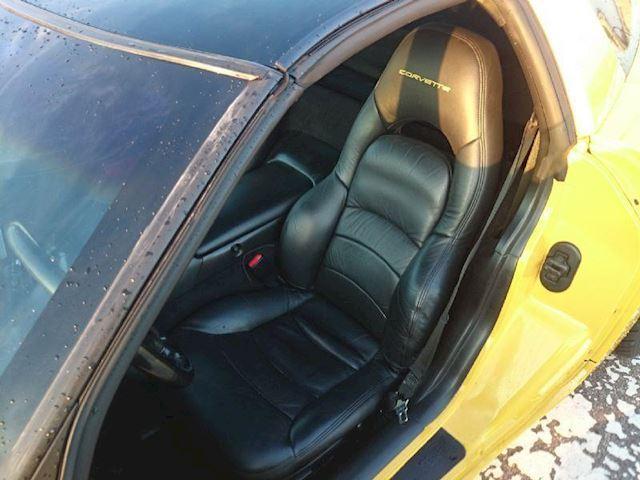 Chevrolet Corvette 5.7L V8 Coupe