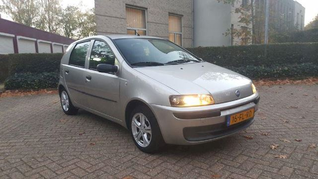 Fiat Punto occasion - Trendy Cars