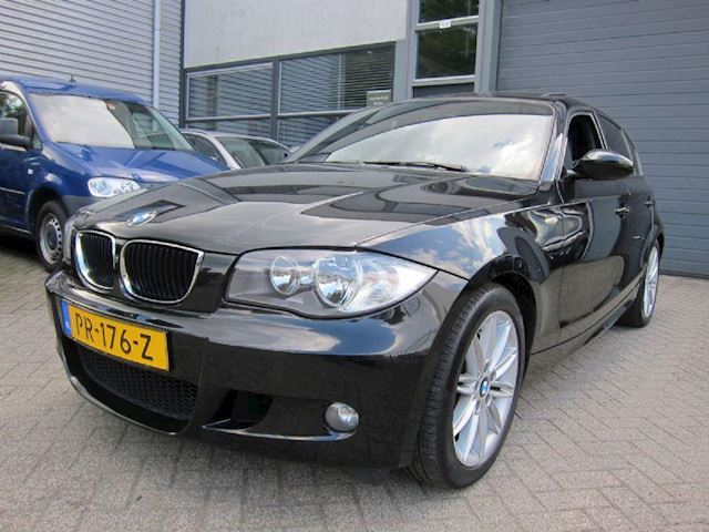 BMW 1-Serie 116i executive M PAKKET LEDER NAVI PDC SCH. DAK