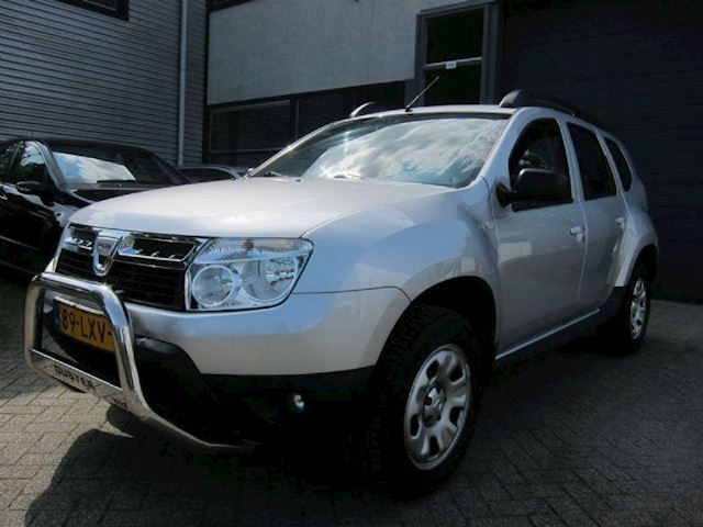 Dacia Duster 1.6 Laurate  LEDER TREKHAAK DEALER AUTO NW APK