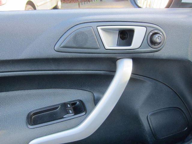 Ford Fiesta 1.6 TDCi ECOnetic AIRCO CRUISE TELEFOON 5 DEURS WIT NAP!!