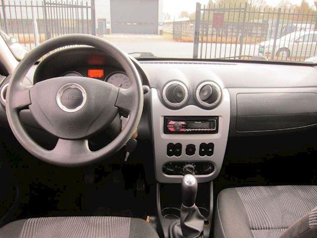 Dacia Sandero 1.6 Lauréate AIRCO TREKHAAK LMV CD NW DISTRIBUTIERIEM!!