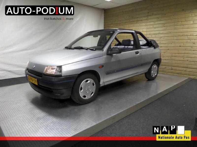 Renault Clio 1.4 RL Elia Cabrioni occasion - Auto-Podium