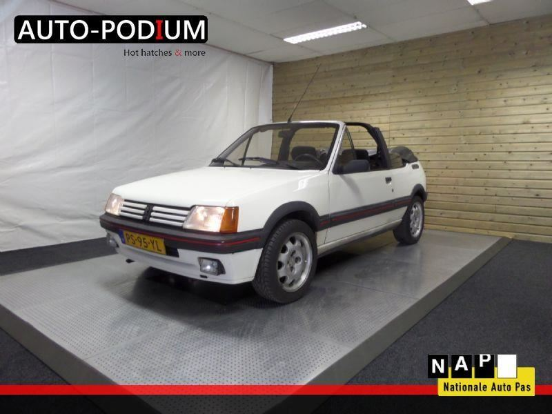 peugeot 205 cti cabriolet 1 6 1 6 cti benzine uit 1986. Black Bedroom Furniture Sets. Home Design Ideas