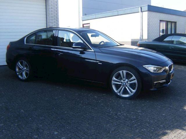 BMW 3-serie 328i High Executive Automaat Leder 19 Inch Nieuwstaat