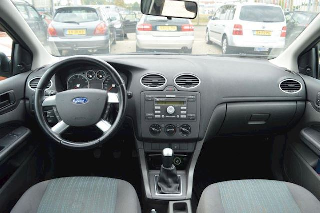 Ford Focus Wagon 1.6-16V Champion bj05 airco elec pak
