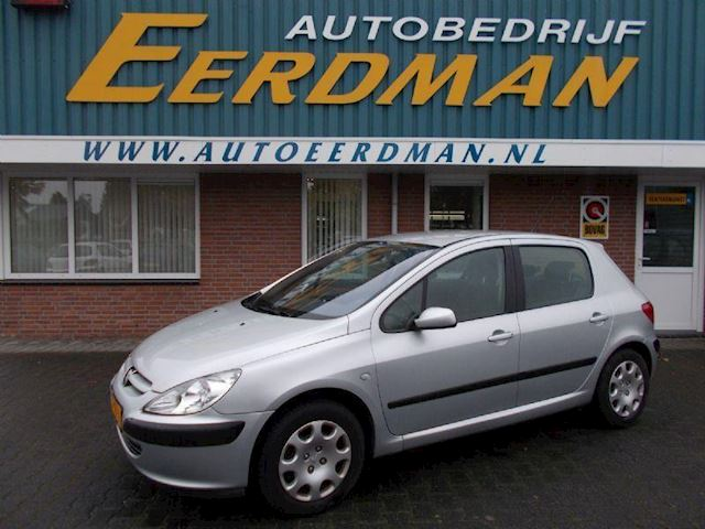 Peugeot 307 1.6-16V XT  TREKHAAK + BESCHADIGING