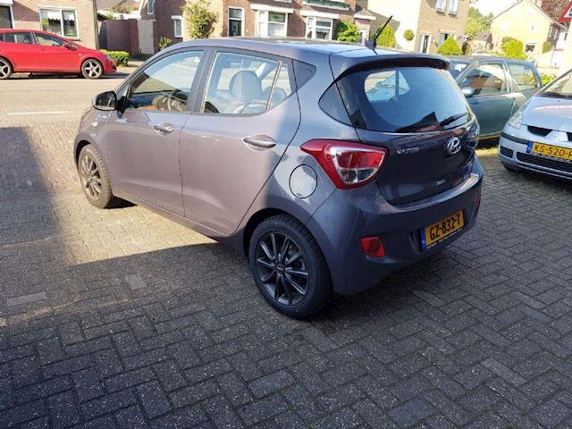 Hyundai I10 1.0i i-Motion Premium. Full options Nieuwstaat !!