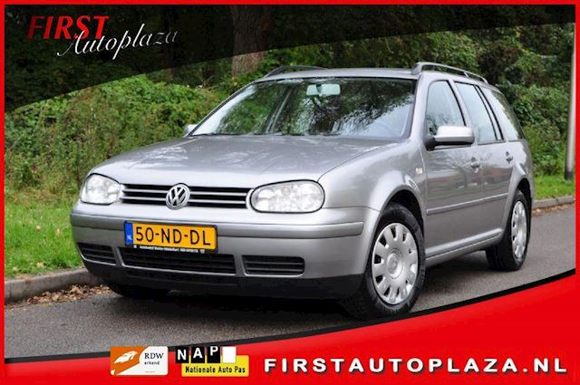 Volkswagen Golf occasion - FIRST Autoplaza B.V.