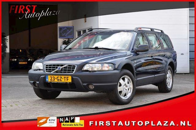 Volvo XC70 Cross Country 2.4 TURBO Comfort Line YOUNGTIMER AUTOMAAT 7-PERSOONS AIRCO/LEDER/CRUISE NETTE AUTO !