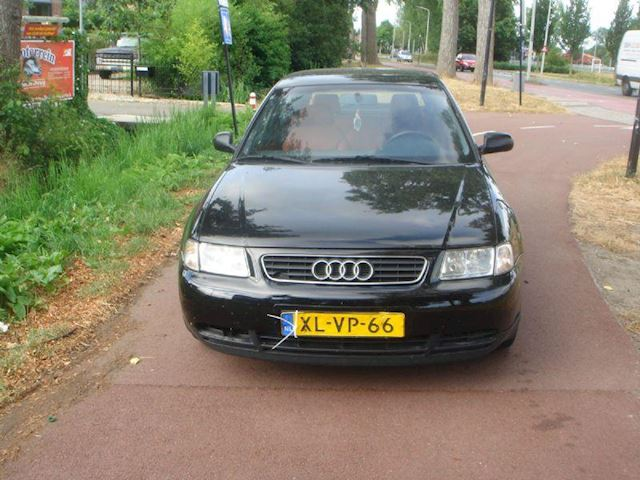 Audi A3 1.6 attraction met Apk