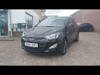 Hyundai i20 1.2i blue i-catcher