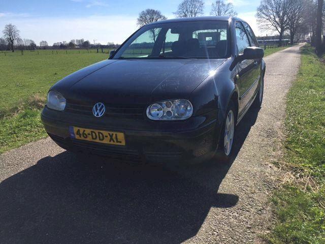 Volkswagen Golf 1.9tdi high 66kW airco verkocht