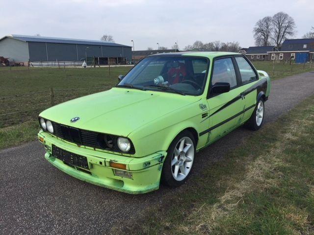 BMW 325i E30 circuit drift auto kuipstoelen rolkooi  100 sper
