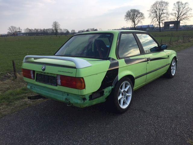 BMW 325i E30 circuit drift auto kuipstoelen rolkooi  100% sper
