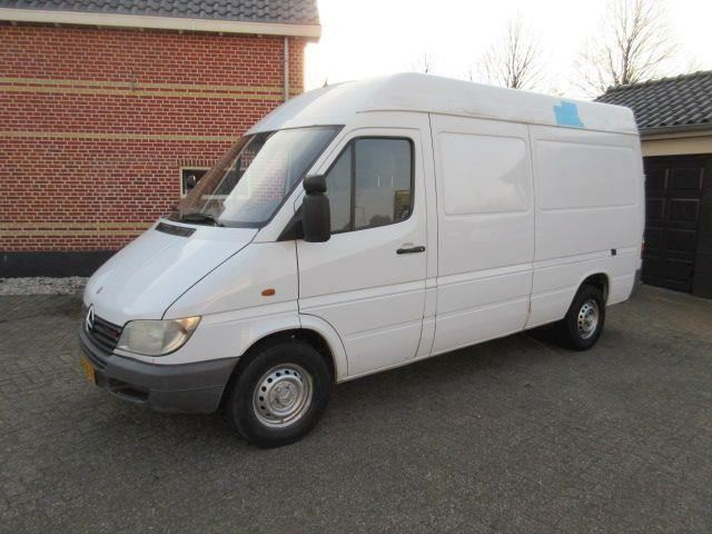 Mercedes-Benz Sprinter 211 CDI 2.2 355