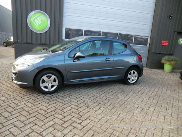 Peugeot 207 1.4-16V XS Pack airco nieuwe apk