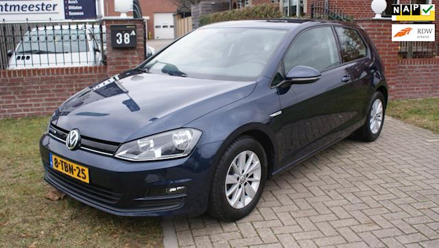 Volkswagen Golf 1.6 TDI Trendline Plus BlueMotion Volkswagen Golf 1.6 TDI Trendline Plus BlueMotion