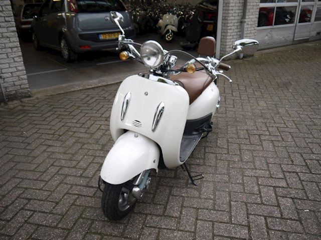 Scooter Retro 25 Sixties ex verhuur