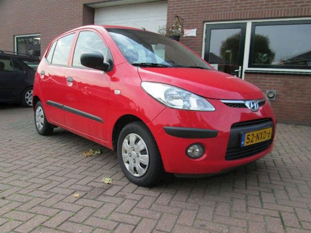 Hyundai i10 1.1i active version cool