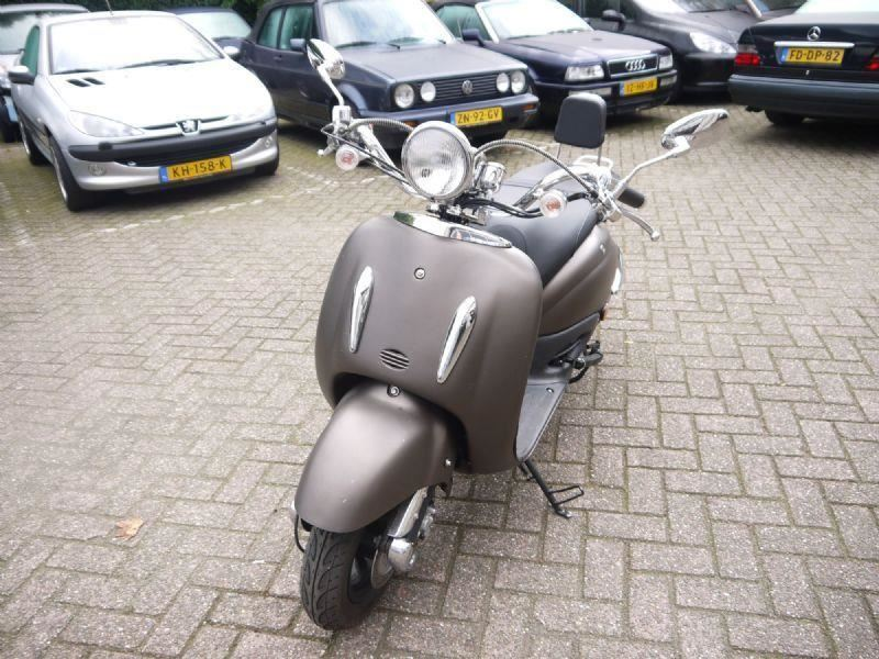 Scooter Retro occasion - Brabants Genoegen