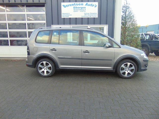 Volkswagen Touran 1.6 cross touran