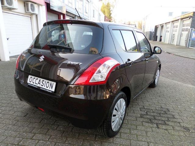 Suzuki Swift 1.2 de Luxe