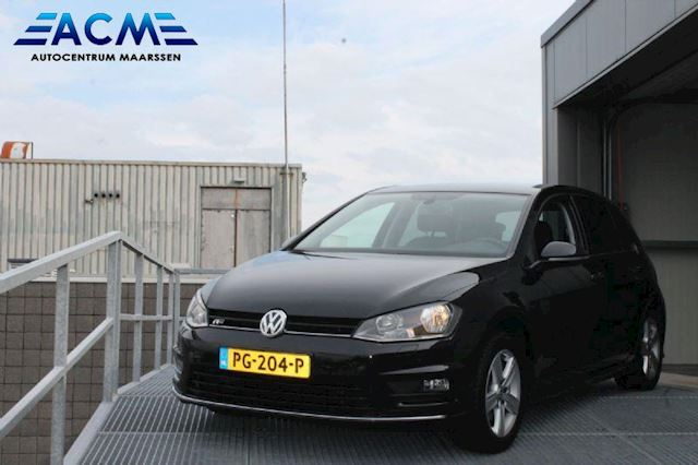 Volkswagen Golf 1.6 TDI Business Edition R Connected