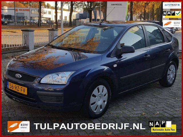 Ford Focus 1.4-16V Ambiente hb 5 drs bj 2005 nw type Airco