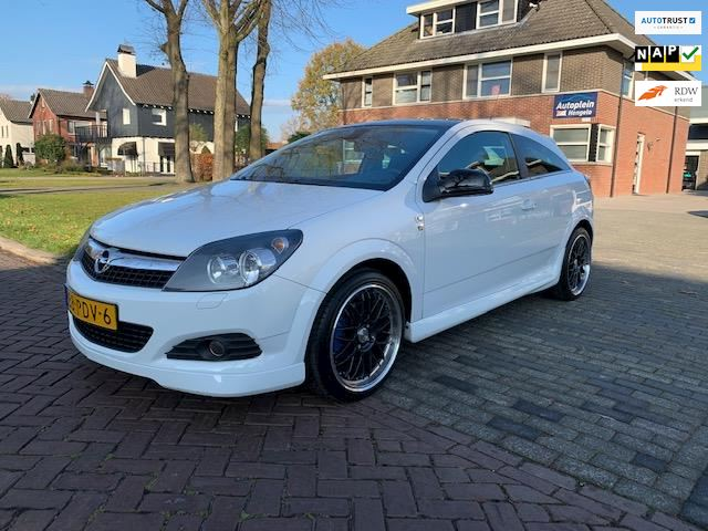 Opel Astra GTC 1.6 111 years Edition