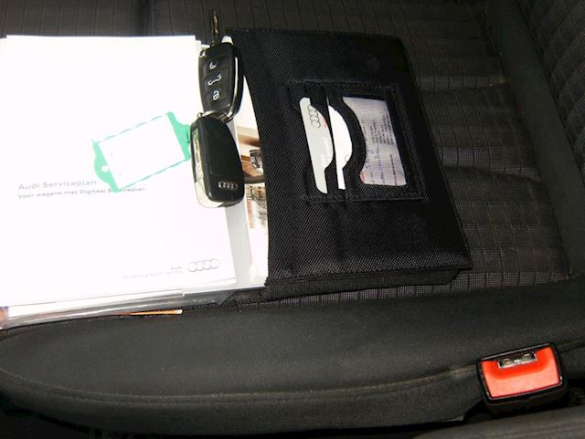 Audi A3 Limousine 1.4 TFSI CoD Ambition Pro Line Plus Automaat 140 Pk Navi Xenon 18 Inch 1e Eigenaar