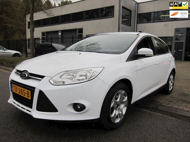 Ford Focus 1.6ti vct EDITION LMV PRIVACY GLASS 5 DRS NW APK