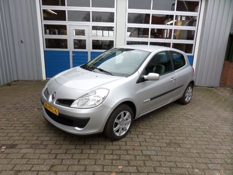 Renault Clio occasion - Autobedrijf Huisman