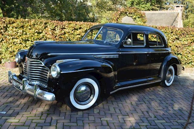 Buick Special Eight  gerestaureerd ( oldtimer)