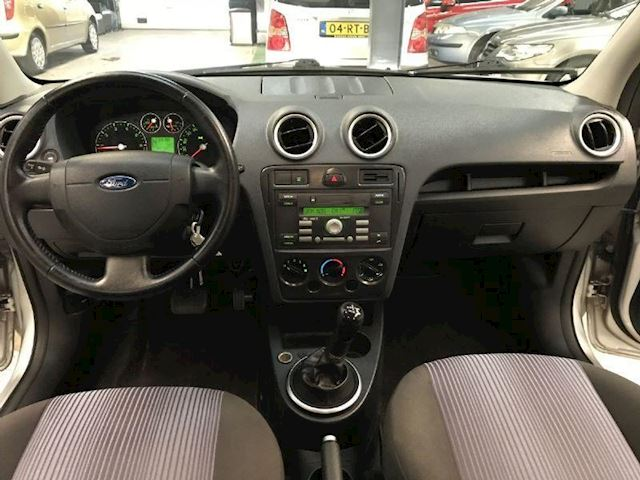 Ford Fusion 1.4-16V Trend LAGE KM STAND/AUTOMAAT/NAP/APK