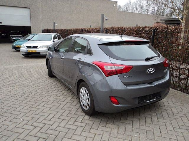 Hyundai i30 1.6crdi blue business edition