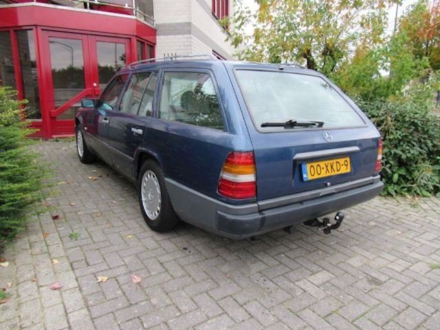 Mercedes-Benz 230 TE (W124) Automaat Airco Oldtimer