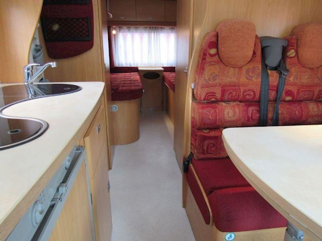 Chausson Mageo Fiat 2.8 bj 2006  enkele bedden Airco