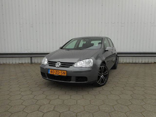 Volkswagen Golf 1.6 Comfort Business