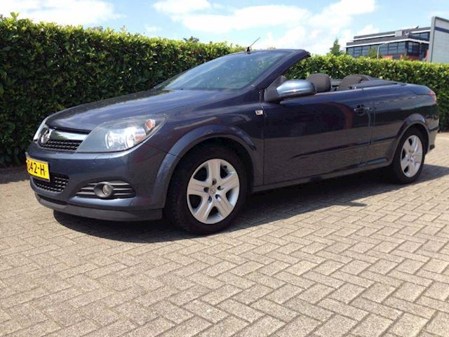 Opel Astra TwinTop 1.6 Edition APK 07-2020 Airco Cabrio Showroomstaat
